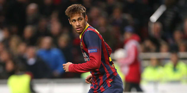 AMSTERDAM, NETHERLANDS - NOVEMBER 26: Neymar Jr of Barca in action during the UEFA Champions League Group H match between Ajax Amsterdam and FC Barcelona at Amsterdam Arena on November 26, 2013 in Amsterdam, Netherlands. (Photo by John Berry/Getty Images)