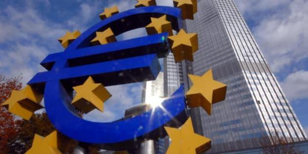 All'economia reale europea serve liquidità, ma Mario Draghi preferisce fare il pompiere (ANALISI)