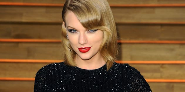 WEST HOLLYWOOD, CA - MARCH 02:  Taylor Swift attends the 2014 Vanity Fair Oscar Party hosted by Graydon Carter  on March 2, 2014 in West Hollywood, California.  (Photo by Anthony Harvey/Getty Images)