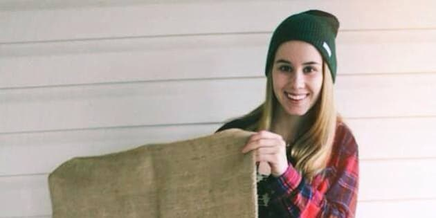 B.C. Student Wears Burlap Dress To Grad For Awesome Reason (PHOTO)