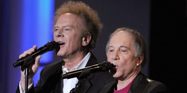 CULVER CITY, CA - JUNE 10:  Musicians Art Garfunkel and Paul Simon of Simon & Garfunkel perform during the 38th AFI Life Achievement Award honoring Mike Nichols held at Sony Pictures Studios on June 10, 2010 in Culver City, California. The AFI Life Achievement Award tribute to Mike Nichols will premiere on TV Land on Saturday, June 25 at 9PM ET/PST.  (Photo by Frazer Harrison/Getty Images for AFI)