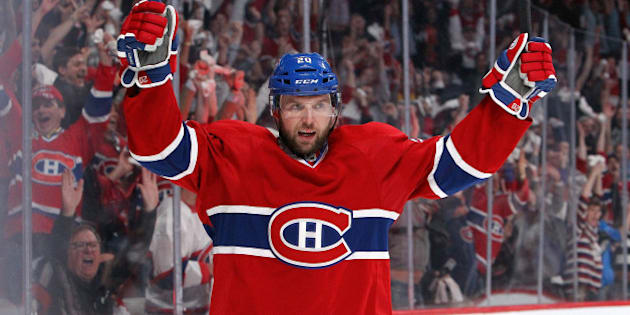 MONTREAL, QC - MAY 12:  Thomas Vanek #20 of the Montreal Canadiens celebrates his second-period goal against the Boston Bruins in Game Six of the Second Round of the 2014 NHL Stanley Cup Playoffs at the Bell Centre on May 12, 2014 in Montreal, Quebec, Canada. (Photo by Francois Laplante/Freestyle Photography/Getty Images)