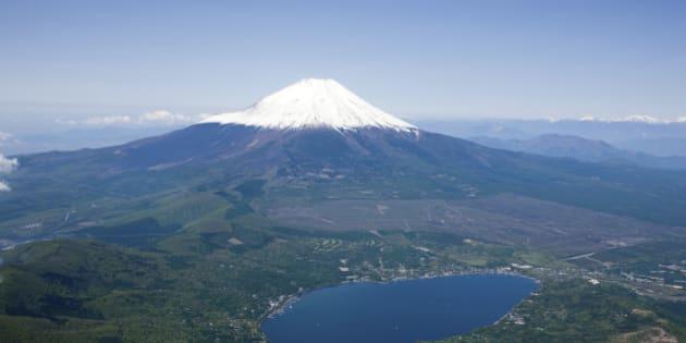 Japan, Koshinnetsu, Yamanashi Prefecture, Minamitsuru District, Fuji-Hakone-Izu National Park, View of snowcapped Mount Fuji. (Photo by: JTB Photo/UIG via Getty Images)
