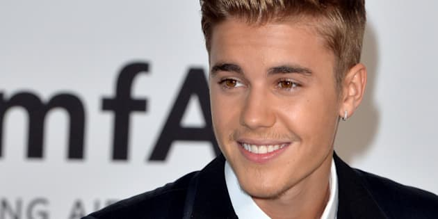 CAP D'ANTIBES, FRANCE - MAY 22:  Justin Bieber attends amfAR's 21st Cinema Against AIDS Gala, Presented By WORLDVIEW, BOLD FILMS, And BVLGARI at the 67th Annual Cannes Film Festival on May 22, 2014 in Cap d'Antibes, France.  (Photo by Anthony Harvey/FilmMagic)