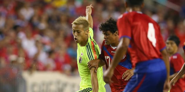 TAMPA, FL - JUNE 02:  Keisuke Honda of Japan runs the ball during the International Friendly Match between Japan and Costa Rica at Raymond James Stadium on June 2, 2014 in Tampa, Florida.  (Photo by Mark Kolbe/Getty Images)