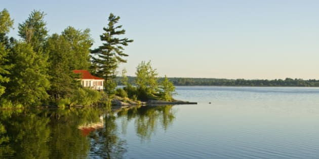As Loonie Falls, Americans Snap Up Canadian Cottage Country