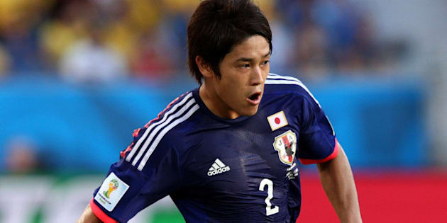 CUIABA, BRAZIL - JUNE 24:  Atsuto Uchida of Japan controls the ball during the 2014 FIFA World Cup Brazil Group C match between Japan and Colombia at Arena Pantanal on June 24, 2014 in Cuiaba, Brazil.  (Photo by Adam Pretty/Getty Images)