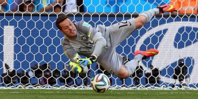 Mondiali 2014: Julio Cesar, l'eroe ritrovato nel nome di Moacyr e Dilma.