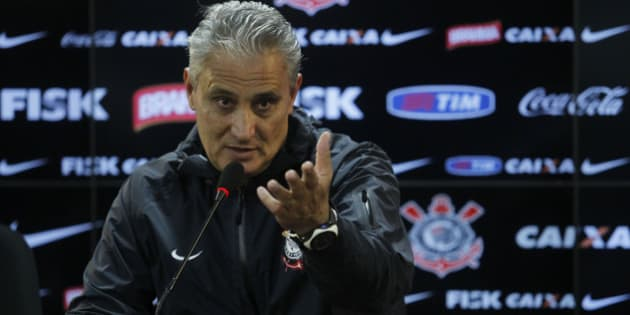 SAO PAULO, BRAZIL - JULY 16:  Tite, coach of Corinthians looks on during a press conference after a training session of Corinthians at Joaquim Grava Training Center on July 16, 2013 in Sao Paulo, Brazil. (Photo by Paulo Fischer/BrazilPhotoPress/LatinContent/Getty Images)