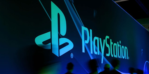 LOS ANGELES, CA - JUNE 10:  A general view of show attendees visiting the PlayStation Booth is seen on June 10, 2014 in Los Angeles, California.  (Photo by Chris Weeks/Getty Images for Sony Computer Entertainment America)