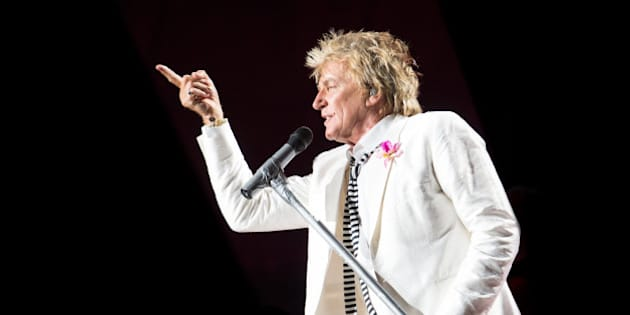 Rod Stewart performs in concert at Jones Beach Theatre on Wednesday, Aug. 20, 2014, in Wantagh, New York. (Photo by Scott Roth/Invision/AP)