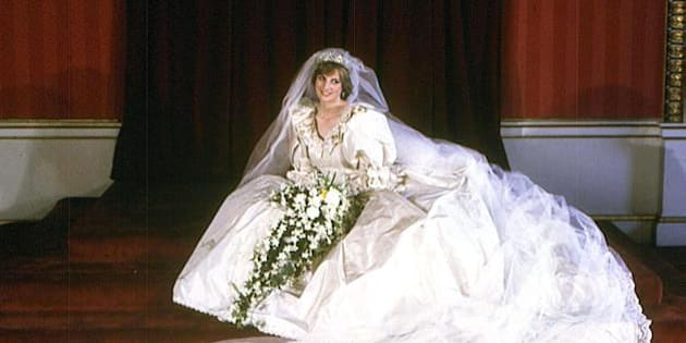 Lady Diana, per il compleanno di Harry il regalo è l\u0027abito da sposa così  c\u0027è scritto nel testamento (FOTO)