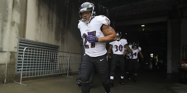 CINCINNATI, OH - DECEMBER 29:  Ray Rice #27 of the Baltimore Ravens takes the field for the game against the Cincinnati Bengals at Paul Brown Stadium on December 29, 2013 in Cincinnati, Ohio.  (Photo by John Grieshop/Getty Images)