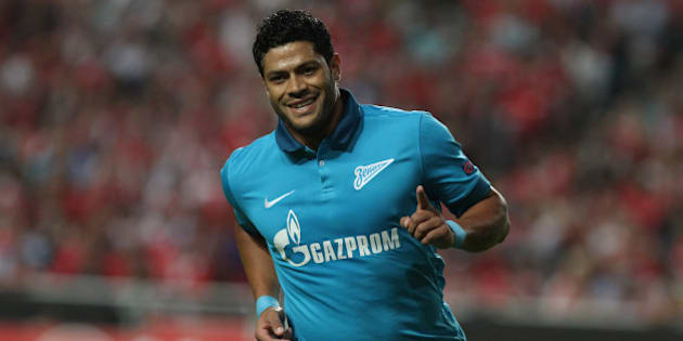 LISBON, PORTUGAL - SEPTEMBER 16: FC Zenit's Hulk celebrating first goal during the UEFA Champions League match SL Benfica v FC Zenit on September 16, 2014 in Lisbon, Portugal.  (Photo by Gualter Fatia/Getty Images)