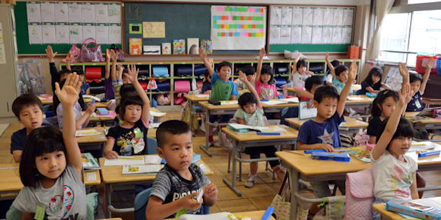 THIS IMAGE IS PART OF A PHOTO PACKAGE ON CHILDREN GOING TO SCHOOL AROUND THE WORLD
