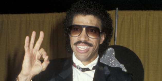 LOS ANGELES - FEBRUARY 26:  Musician Lionel Richie attends 27th Annual Grammy Awards on February 26, 1985 at the Shrine Auditorium in Los Angeles, California. (Photo by Ron Galella, Ltd./WireImage)