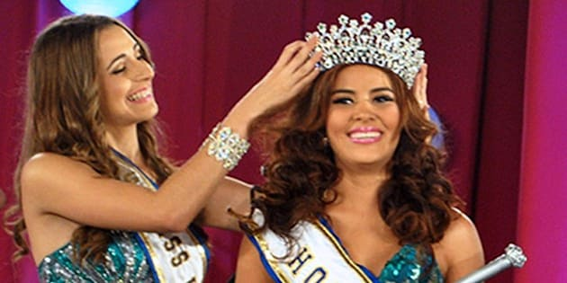 (FILES) Undated picture taken in San Pedro Sula of Maria Jose Alvarado (R), Miss Honduras World, whose body and her sister's were found on November 19, 2014 one week after both siblings had been abducted. The bodies of Maria Jose Alvarado, 19, and her sister Sofia Trinidad Hernandez were found on the banks of a river in the west of Honduras on November 19, 2014 and their presumed killer was arrested, police reported     AFP PHOTO/STR    MAXIMUM QUALITY AVAILABLE        (Photo credit should read STR/AFP/Getty Images)