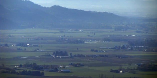 Deep zoom from Sumas Mountain near Abbotsford looking south into Washington.