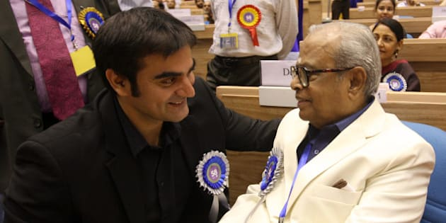NEW DELHI, INDIA - SEPTEMBER 09: Dadasaheb Phalke Award winner K Balachander with actor Arbaz Khan during the 58th National Film Awards Function in New Delhi on Friday. (Photo by Shekhar Yadav/India Today Group/Getty Images)