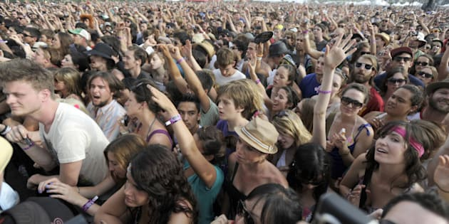 INDIO, CA - APRIL 17: Fans watch Edward Sharpe and the Magnetic Zeros perform at Coachella Valley Music and Arts Festival at the Empire Polo Fields on April 17, 2010 in Indio, California. (Photo by Tim Mosenfelder/Getty Images)