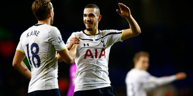 LONDON, ENGLAND - JANUARY 01:  Harry Kane of Spurs celebrates victory with team-mate Nabil Bentaleb after the Barclays Premier League match between Tottenham Hotspur and Chelsea at White Hart Lane on January 1, 2015 in London, England.  (Photo by Clive Rose/Getty Images)