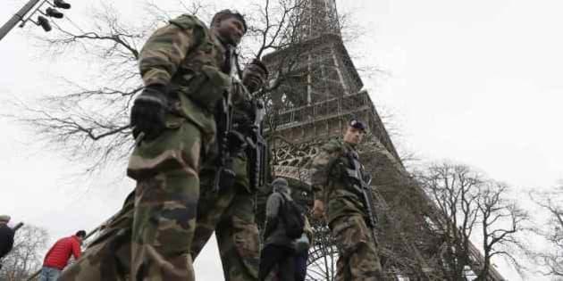 フランス銃撃事件が「文化戦争」...