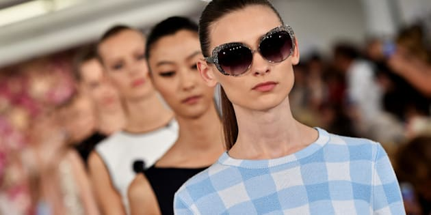 NEW YORK, NY - SEPTEMBER 09:  Models walk the runway at the Oscar De La Renta fashion show during Mercedes-Benz Fashion Week Spring 2015 on September 9, 2014 in New York City.  (Photo by Slaven Vlasic/Getty Images)