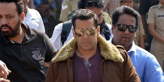 JODHPUR, INDIA - NOVEMBER 14: Bollywood actor Salman Khan during an appearance at court in black buck poaching case on November 14, 2014 in Jodhpur, India. Khan was convicted and sentenced to one-year and five-year prison terms in separate cases of poaching of two chinkaras at Bhawad and one black buck at Ghoda Farm on the intervening night of September 26-27, 1998 and September 28-29, 1998 respectively. (Photo by Ramji Vyas/Hindustan Times via Getty Images)