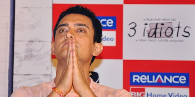 MUMBAI, INDIA � AUGUST 27: Aamir Khan during the launch of the '3 Idiots' DVD in Mumbai on August 27, 2010. (Photo by Yogen Shah/India Today Group/Getty Images)