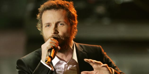 "Italian Singer Jovanotti during the ""Festival di Sanremo"" Italian song contest, in San Remo, Italy, Friday, Feb. 29, 2008. (AP Photo/Antonio Calanni)"