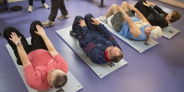 Reportage in the Institut Pasteur's sports medicine centre in Lille, France. Sports medicine workshop for the prevention of cardiovascular diseases. Various exercises are recommended to tone the body and get the participants used to physical activity. (Photo by: BSIP/UIG via Getty Images)