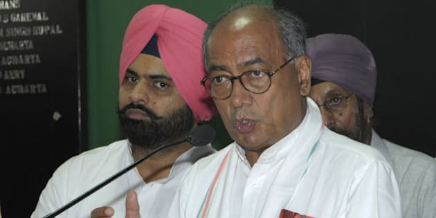 CHANDIGARH, INDIA - OCTOBER 10: Congress leader Digvijaya Singh addressing the media persons, at press club in sector 27 on October 10, 2014 in Chandigarh, India. (Photo by Gurpreet Singh/Hindustan Times via Getty Images)