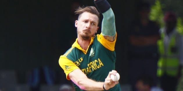 South Africa's Dale Steyn, bowls during the one day international cricket match against West Indies in East London, South Africa, Wednesday, Jan. 21, 2015. (AP Photo/Michael/Sheehan)