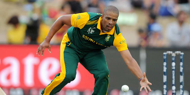 FILE - In this Sunday Feb. 15, 2015, file photo, South African bowler Vernon Philander fields the ball during their Cricket World Cup Pool B match against Zimbabwe in Hamilton, New Zealand. Paceman Vernon Philander has been ruled out of South Africa's next World Cup match against the West Indies due to a left hamstring injury he picked up in last weekend's loss to defending champion India. (AP Photo/Ross Setford,File)