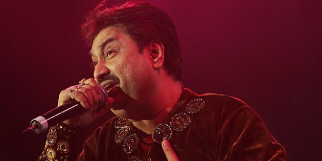 Kumar Sanu performs at the Bollywood Music Awards in Atlantic City, N.J. on Saturday, Nov. 4, 2006. (AP Photo/Tim Larsen)