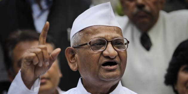 "India's anti-corruption activist Anna Hazare addresses the media in New Delhi, India, Saturday, Nov. 10, 2012. Hazare held the conference to introduce his new team that will help take forward the ""apolitical"" anti-corruption battle, according to a news agency. (AP Photo/Altaf Qadri)"
