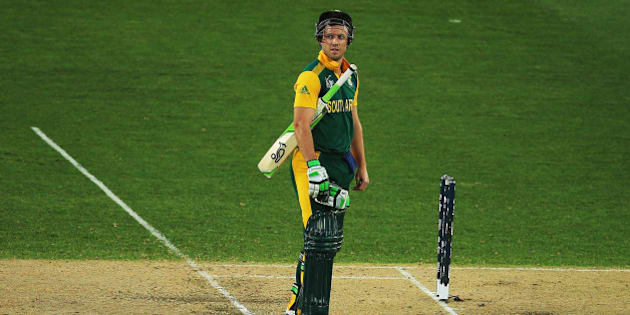 AUCKLAND, NEW ZEALAND - MARCH 07: AB de Villiers of South Africa looks on after the dismissal of Rilee Rossouw of South Africa during the 2015 ICC Cricket World Cup match between South Africa and Pakistan at Eden Park on March 7, 2015 in Auckland, New Zealand.  (Photo by Hannah Peters/Getty Images)
