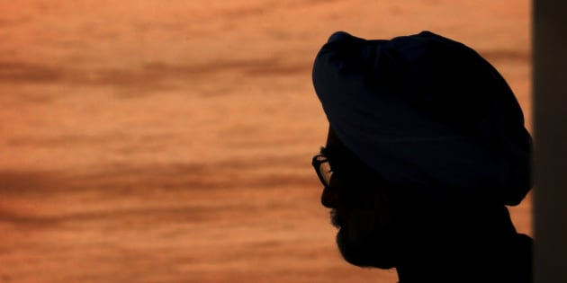 Indian Prime Minister Manmohan Singh waits for the arrival of Maldives President Yaamin Abdul Gayoom, at the Indian presidential palace, in New Delhi, India, Thursday, Jan. 2, 2014. Gayoom is on four-day official visit to India, after becoming president of Maldives.