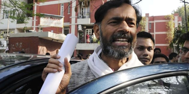 NEW DELHI, INDIA -MARCH 11: An Aam Aadmi Party leader Yogendra Yadav talking with the media persons at his residence on March 11, 2015 in New Delhi, India. In a joint letter to volunteers, the ousted members of AAP PAC Yogendra Yadav and Prashant Bhushan rebutted the allegations of anti-party activities levelled against them by top brass of the AAP including Deputy Chief Minister Manish Sisodia, Sanjay Singh and Gopal Rai. (Photo by Sonu Mehta/ Hindustan Times via Getty Images)