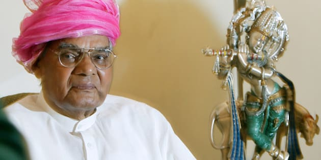 Former prime minister and leader of main opposition Bharatiya Janata Party Atal Bihari Vajpayee looks on at his residence in New Delhi, India, Sunday, July 15, 2007. Vajpayee Sunday handed over a holy Chadar, or sheet cloth, to be offered at the mausoleum of Sufi saint Khwaja Moinuddin Chisti for the annual Urs celebration in Ajmer. (AP Photo/Gurinder Osan)