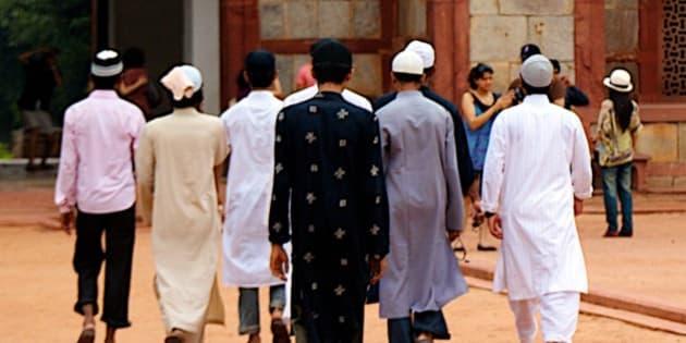 Visitors at Humayun's tomb, Delhi