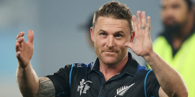 New Zealand captain Brendon McCullum wave sot the crowd following their four wicket win over South Africa in their Cricket World Cup semifinal in Auckland, New Zealand, Tuesday, March 24, 2015. (AP Photo/David Rowland)