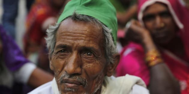 Indian farmers participate in a sit in protest against the federal government's land acquisition bill in Allahabad, India, Tuesday, April 7, 2015. (AP Photo/ Rajesh Kumar Singh)