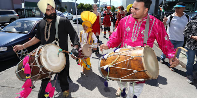 AUCKLAND, AUCKLAND - MARCH 14:  Fans and performers on the fan trail ahead of the 2015 ICC Cricket World Cup match between India and Zimbabwe at Eden Park on March 14, 2015 in Auckland, New Zealand.  (Photo by Fiona Goodall/Getty Images for Tourism New Zealand)