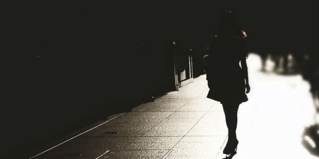 """34 misure che le donne adottano per sentirsi più al sicuro e che dimostrano quanto sia faticoso """"stare attente"""""""