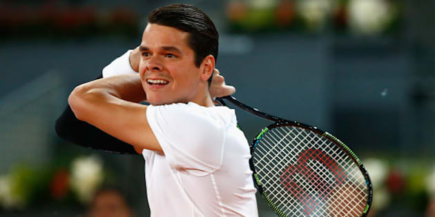 MADRID, SPAIN - MAY 07:  Milos Raonic of Canada in action against Leonardo Mayer of Argentina during day six of the Mutua Madrid Open tennis tournament at the Caja Magica on May 7, 2015 in Madrid, Spain.  (Photo by Julian Finney/Getty Images)