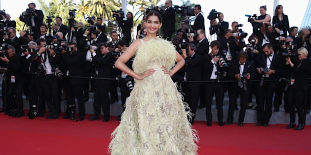 CANNES, FRANCE - MAY 18:  Actress Sonam Kapoor attends the Premiere of 'Inside Out' during the 68th annual Cannes Film Festival on May 18, 2015 in Cannes, France.  (Photo by Andreas Rentz/Getty Images,,)