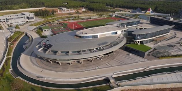 En Chine Un Chef Dentreprise Fait Construire Son Btiment Limage Du Vaisseau Spatial De Star Trek