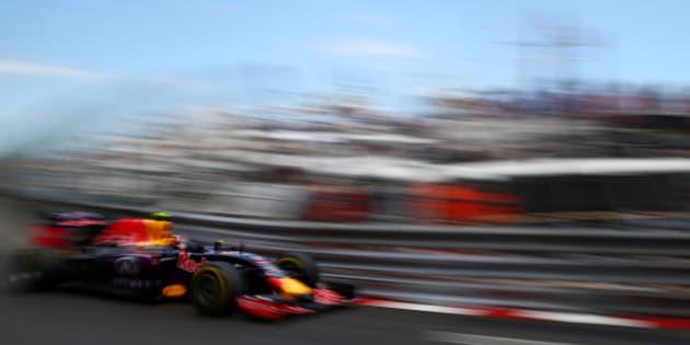 MONTE-CARLO, MONACO - MAY 24:  Daniil Kvyat of Russia and Infiniti Red Bull Racing drives during the Monaco Formula One Grand Prix at Circuit de Monaco on May 24, 2015 in Monte-Carlo, Monaco.  (Photo by Dan Istitene/Getty Images)