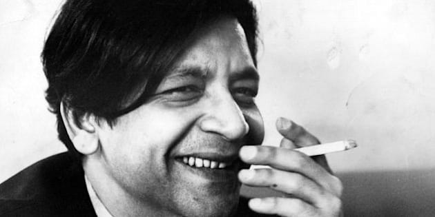 9th November 1968:  Vidiadhar Surajprasad Naipaul, West Indian novelist.  (Photo by John Minihan/Evening Standard/Getty Images)